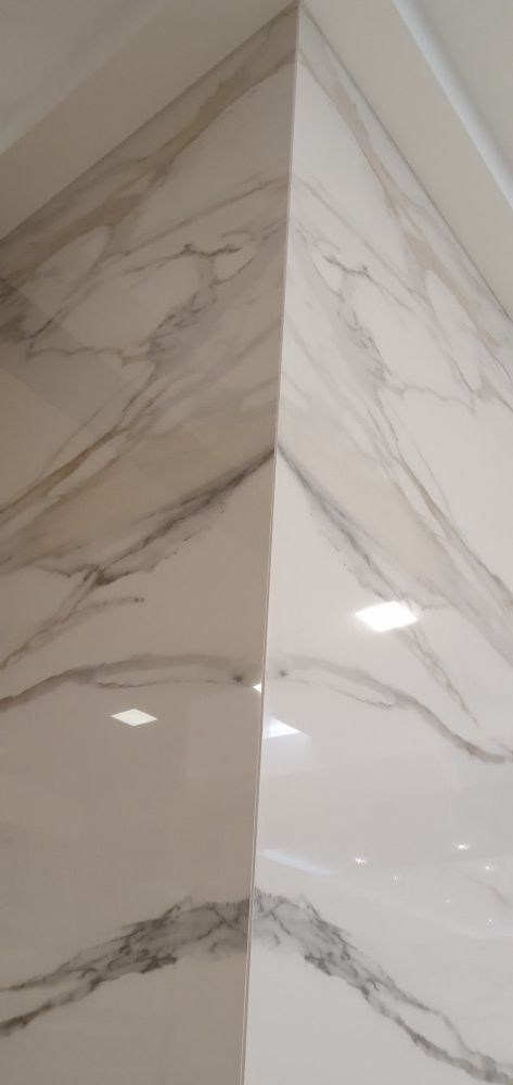 Obložení koupelny - velkoformátové obklady a dlažby koupelen provedou OBKLADAČI Plzeň